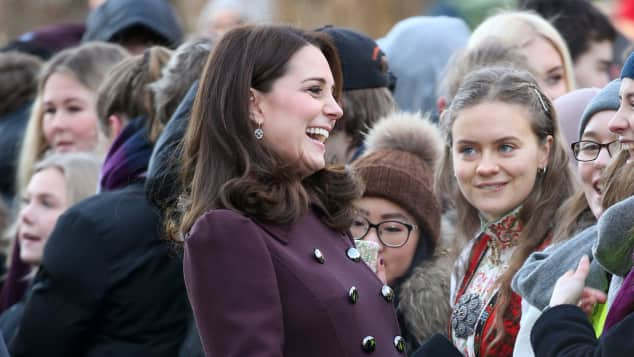 Herzogin Kate mit Prinz William Mette-Marit und Prinz Haakon in Norwegen in der Hartvig Nissen School