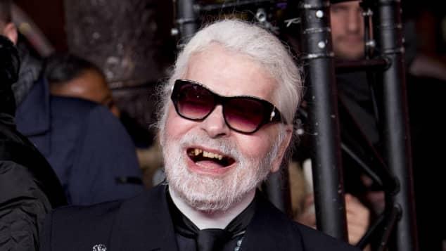 Karl Lagerfeld Zahnlücke
