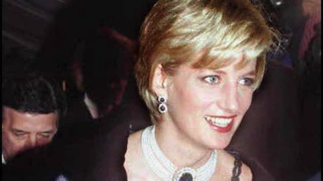 Bei Prinzessin Diana bestanden die Ohrringe noch aus zwei Diamanten pro Seite
