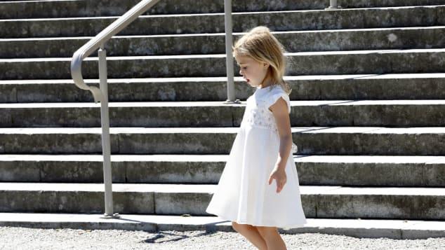 Prinzessin Leonore tänzelte bei Adriennes Taufe barfuß herum