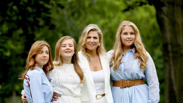 Königin Máxima mit Prinzessin Alexia, Prinzessin Ariane und Prinzessin Amalia