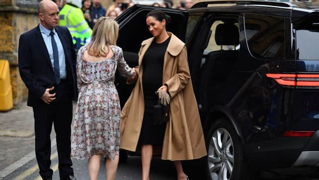 Meghan looks stunning as she arrives at Smart Works