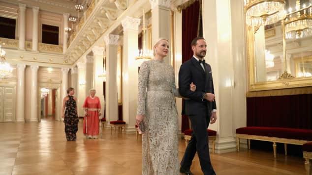 Prinzessin Mette-Marit und Prinz Haakon beim Dinner in königlichen Palast in Oslo