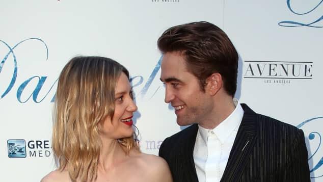 Robert Pattinson Mia Wasikowska