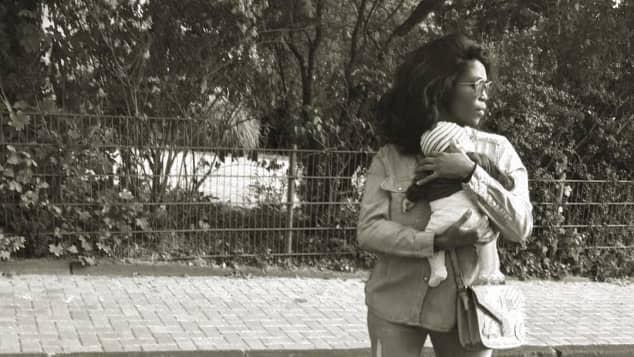 Motsi Mabuse zeigt auf Instagram ihr Mutterglück
