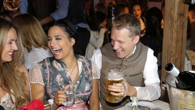 Amira Aly und Oliver Pocher auf dem Oktoberfest 2019