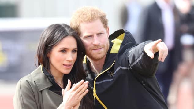 Meghan Markle und Prinz Harry: Das royale Paar zu Besuch auf dem Sportplatz