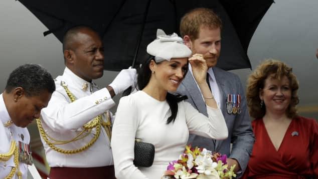 Herzogin Meghan und Prinz Harry sind auf Fidschi angekommen