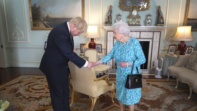 Boris Johnson und die Queen