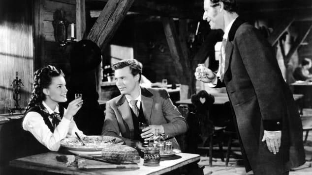 """""""Sissi-Trinkspiel: Diese verrückte Tradition haben die Filme"""