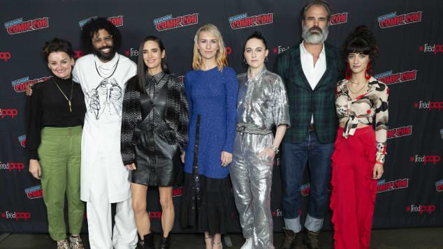 """Der cast von """"Snowpiercer"""" bei der New York Comic Con 2019"""