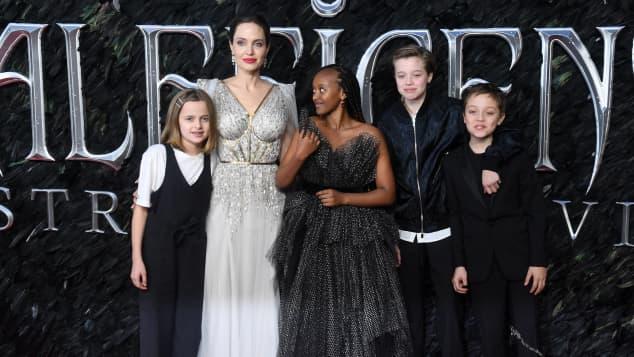 Angelina Jolie mit Vivienne, Zahara, Shiloh und Knox