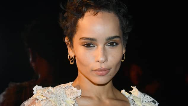 Zoe Kravitz ohne BH, Paris Fashion Week