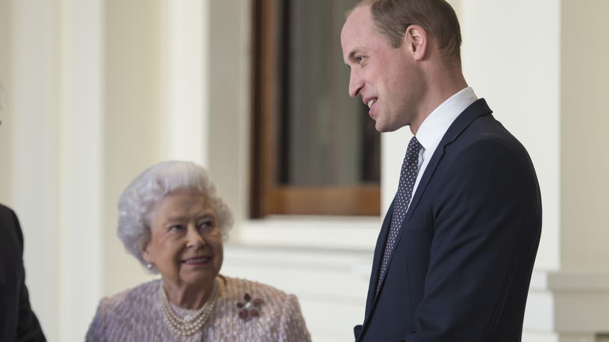 Queen hat Angst um das Leben von Prinz William – wegen dieses Hobbys