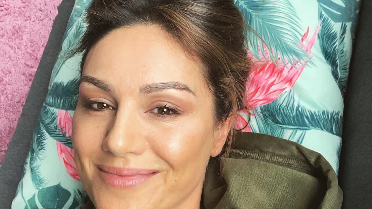 """Nazan Eckes teilt Throwback-Bild und erntet Lob von Fans: """"Kurven stehen dir"""""""
