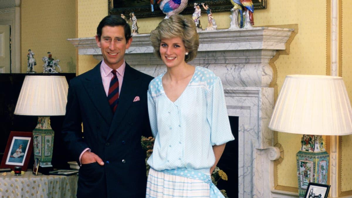 DAS tat Prinz Charles, nachdem er Lady Di den Heiratsantrag machte