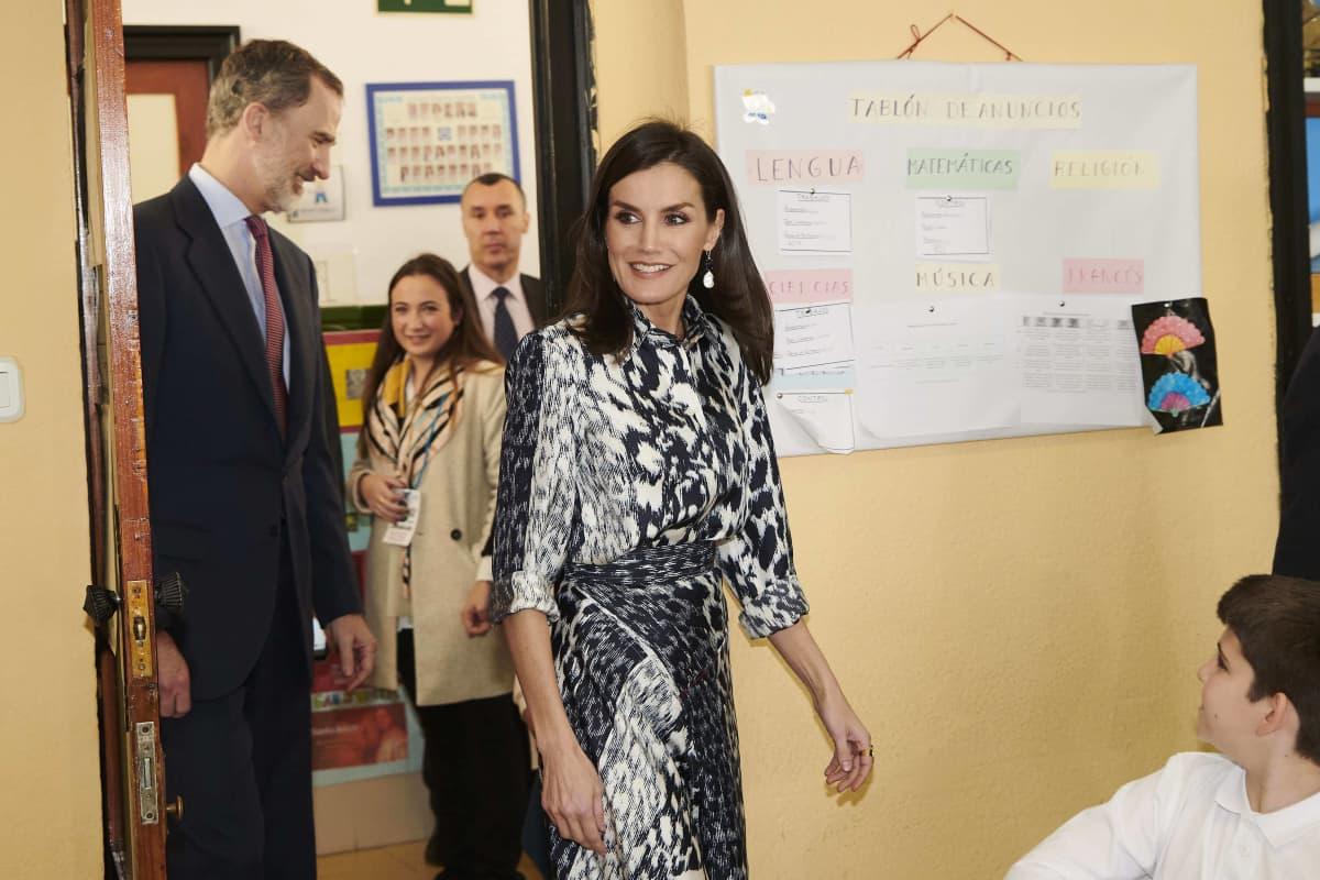 Eins mit Stern: Königin Letizia macht im Leo-Print alles richtig