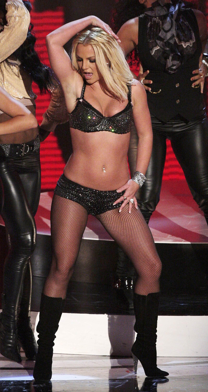 Stars in Unterwäsche auf der Bühne