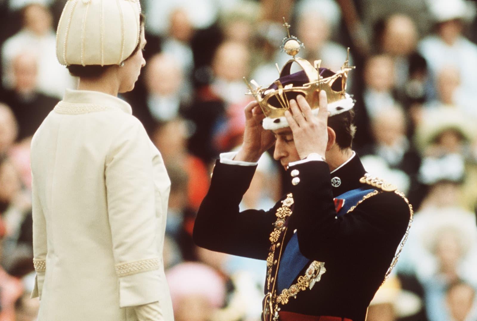 """Das Geheimnis hinter Prinz Charles' """"Betrügerkrone"""""""