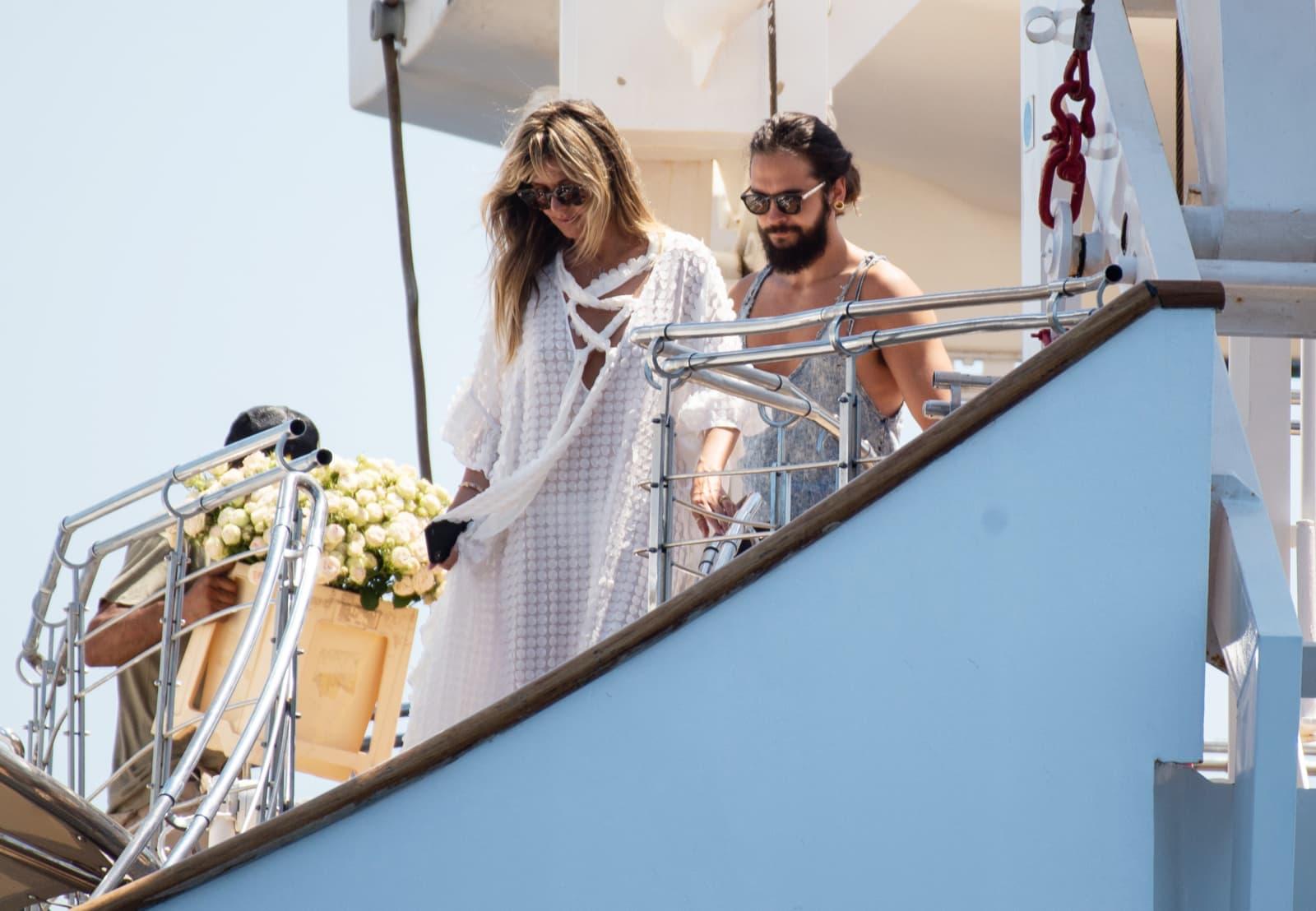 Heidi Klum und Tom Kaulitz zeigen ihre Eheringe