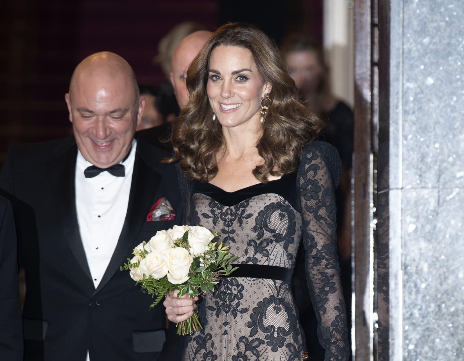 Herzogin Kate: Traumhafter Auftritt in schwarzer Robe