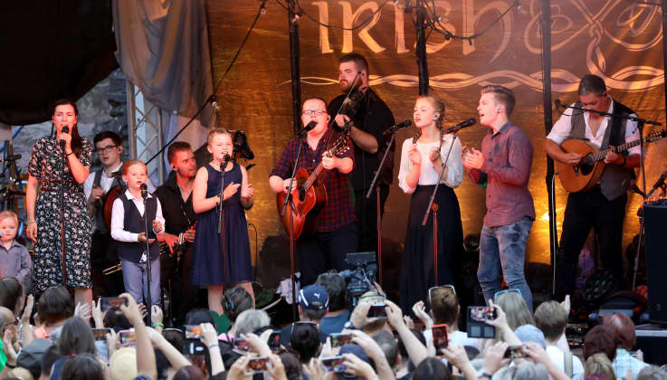 "Angelo Kelly & Family Konzerte: Die Tourdaten der ""Irish Christmas"" Tour 18"