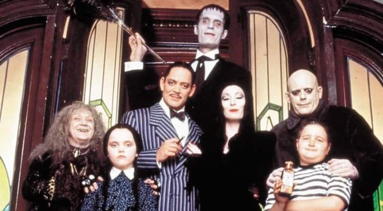 die addams family so sehen die schauspieler heute aus. Black Bedroom Furniture Sets. Home Design Ideas