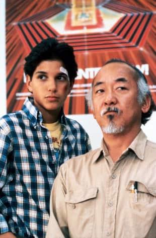 Karate Kid mit seinem Meister