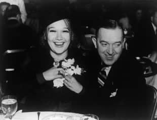 Stan Laurel mit seiner Frau Ida Kitaeva