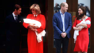 Kate Middleton trug bei der Geburt des 3. Babys ein ähnliches Kleid wie Lady Diana