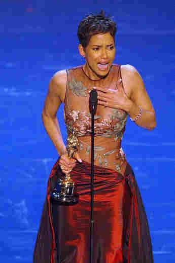 Halle Berry bei den Oscars 2002