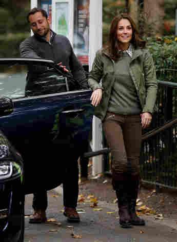 Herzogin Kate schloss selbst die Autotür