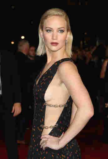 Jennifer Lawrence Sideboob