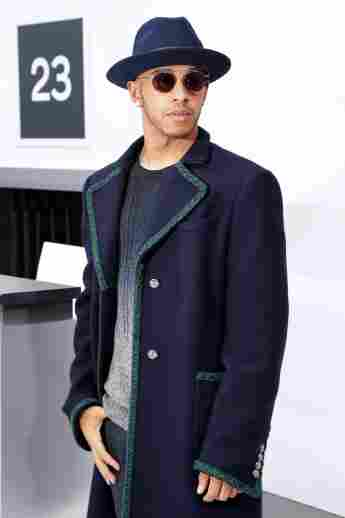 Lewis Hamilton besuchte am 6. Oktober 2015 die Chanel-Show in Paris