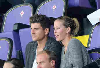 Mario Gomez und Carina Wanzung sind verlobt