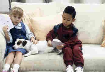 "Mary-Kate Olsen (""Michelle"") und Tahj Mowry (""Teddy"") in ""Full House"""