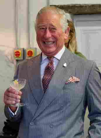 Prinz Charles in der Ginbrennerei Moorland Spirit Company Ltd im The Old Coach House