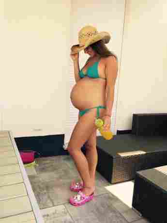 Kurz vor der Geburt ihres ersten Kindes: Sarah Engels zeigt ihren riesigen Babybauch