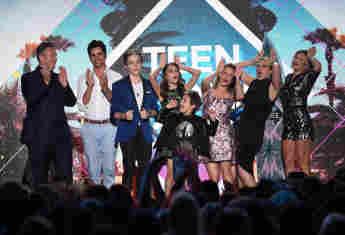 """""""Fuller House"""" gewinnt einen Teen Choice Award"""