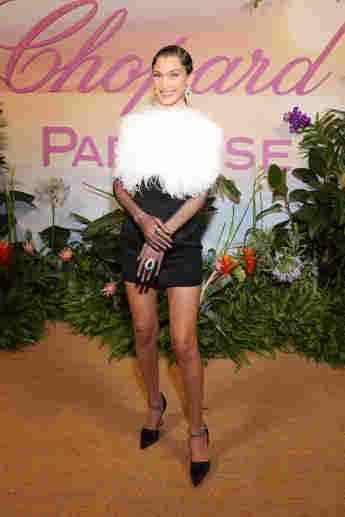 Bella Hadid beim Dinner während der Internationalen Festspiele von Cannes am 7. Juli 2021