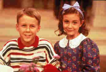 "Benjamin Salisbury und Madeline Zima 1993 in ""Die Nanny"""