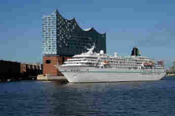 """""""Das Traumschiff"""", die MS Amadea von Phoenix Reisen, am 26. Mai 2017 in  Hamburg"""