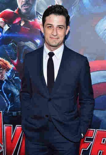 """Enver Gjokaj bei der Premiere von """"Avengers: Age of Ultron"""" am 13. April 2015"""