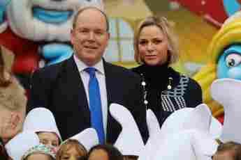Fürst Albert und Fürstin Charlène bei einem Weihnachtsevent für Kinder im Fürstenpalast in Monaco am 18. Dezember 2019