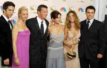 """Der """"Friends""""-Cast David Schwimmer, Lisa Kudrow, Mathew Perry, Courtney Cox, Jennifer Aniston und Matt LeBlanc bei den Emmy Awards am 22. September 2002"""