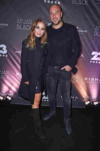 Kim Gloss und Alexander Beliaikin bei der zweiten Year Anniversary of Studio Apjar Black am 23. November 2019