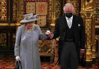 Königin Elisabeth II. und Prinz Charles bei der Eröffnung des britischen Parlaments am 11. Mai 2021
