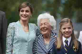 Königin Letizia und ihre Großmutter Menchu Álvarez bei der Kommunion von Prinzessin Sofia am 17. Mai 2017