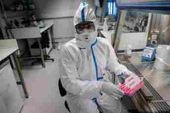 Labormitarbeiter coronavirus