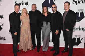 """Law & Order: SVU"": Peter Scanavino, Kelli Giddish, Dick Wolf, Mariska Hargitay, Ice-T und Philip Winchester beim Tribeca TV Festival am 20. September 2018"